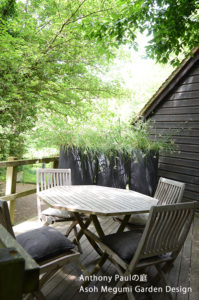 木漏れ日を作る ガーデンデザイナー 麻生恵